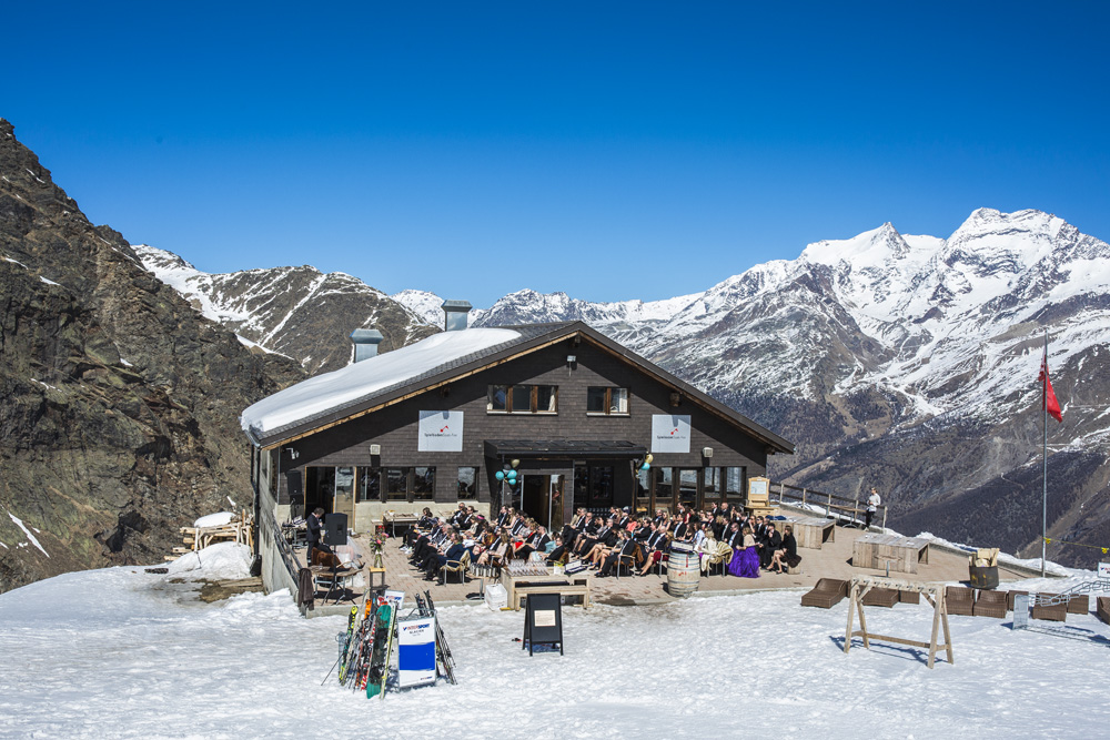 Zwitserland; bruiloft in de bergen