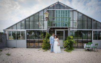 Bruiloft met hoop fun, flowers en foto's!
